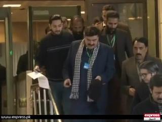 ٹرین جلنے کے بعد شیخ رشید کو مستعفی ہوجانا چاہیے تھا، چیف جسٹس