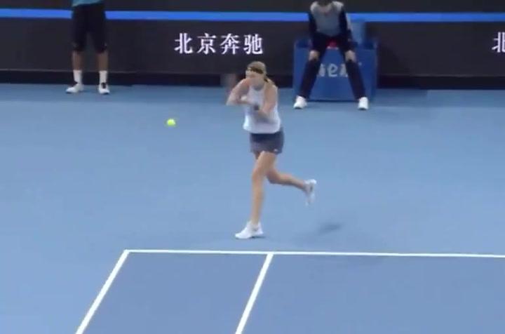 Petra Kvitova, da un golpe ganador