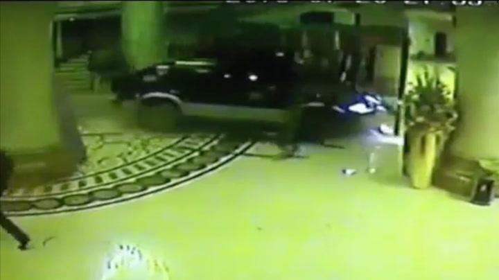 Fyllekjører kjørte inn i hotell – kun for moro skyld