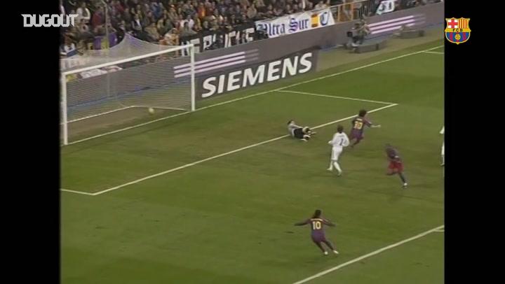 Ronaldinho receives a standing ovation at the Bernabeu