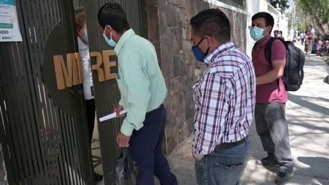 Guatemaltecos sospechan que sus familiares están entre los calcinados en México