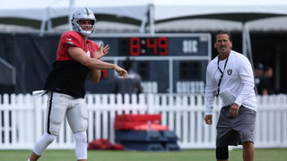 """Olson wants Carr to be more """"creative"""", Carr on his third year in Gruden's offense – VIDEO"""