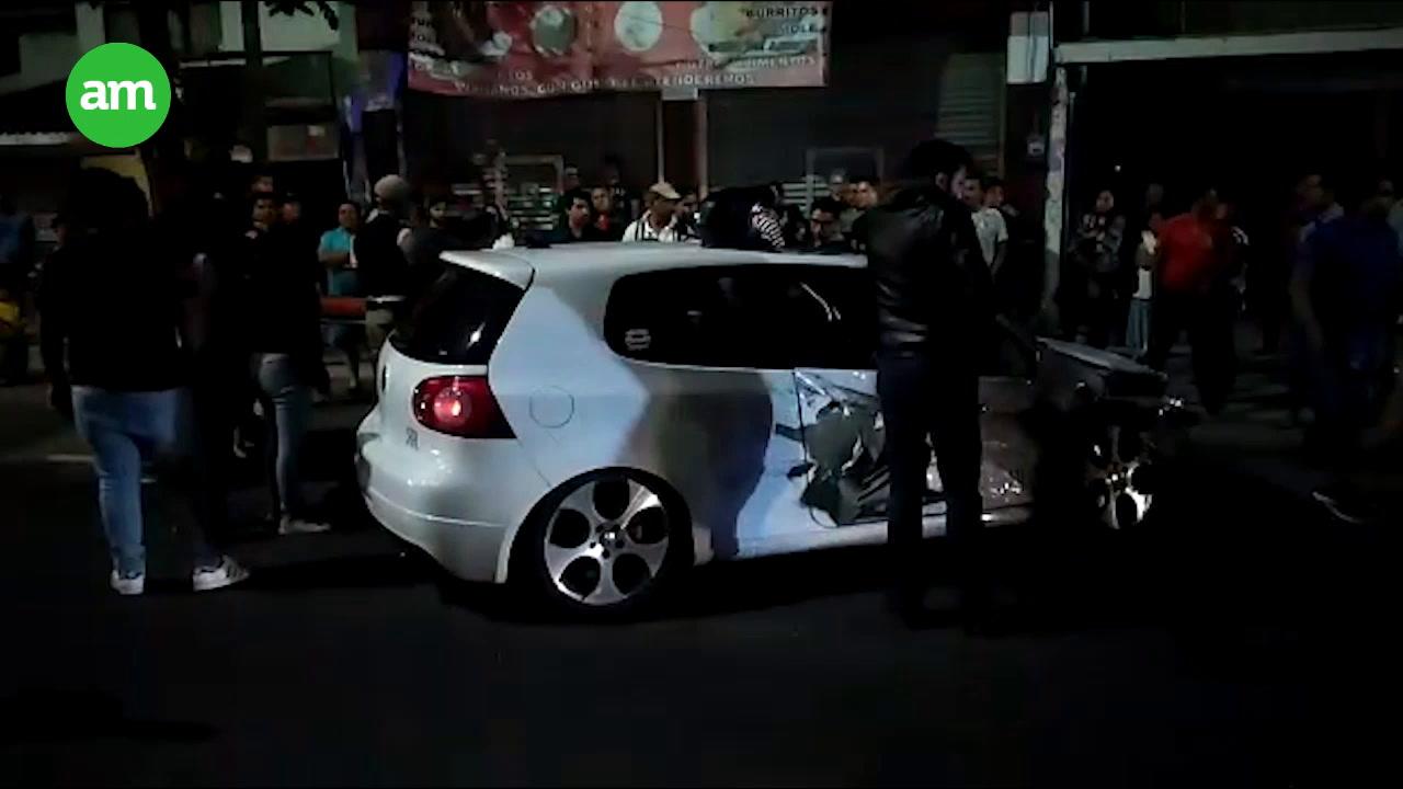 Video: Conductor presuntamente ebrio choca contra camioneta y se voltea