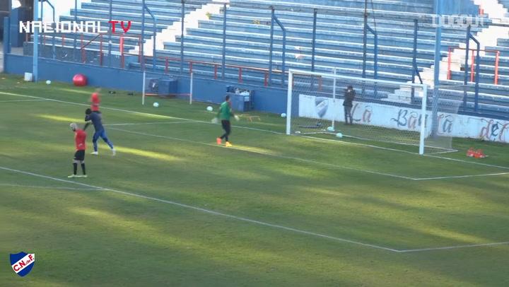 Thiago Vecino's perfect chip goal for Nacional
