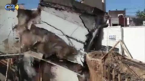 Impresionante video del derrumbe de una farmacia en Santa Fe