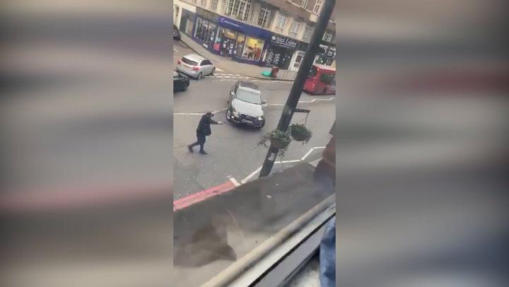 Atentado terrorista en Londres: varios acuchillados y un muerto