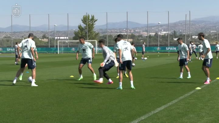 Entrenamiento de la burbuja paralela de la Selección española