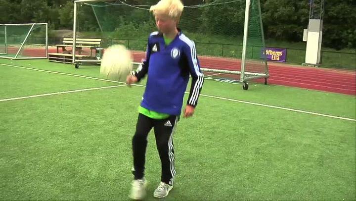 Fotballtriksing - hvordan gjøre jorda rundt