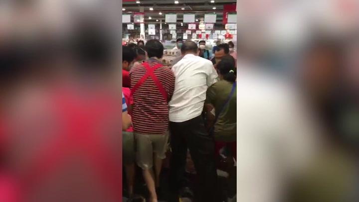 El fin del veto a la venta de alcohol desata la locura en Tailandia
