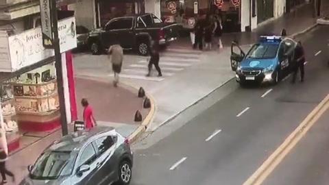 Delincuentes detenidos tras asaltar una joyería y tomar rehenes en Villa Devoto