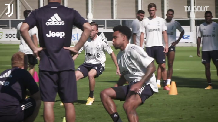 Weston Mckennie's first Juventus training session