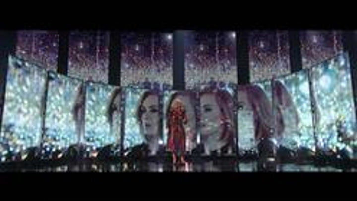 """Adele Stuns With """"When We Were Young"""" At The BRIT Awards 2016"""