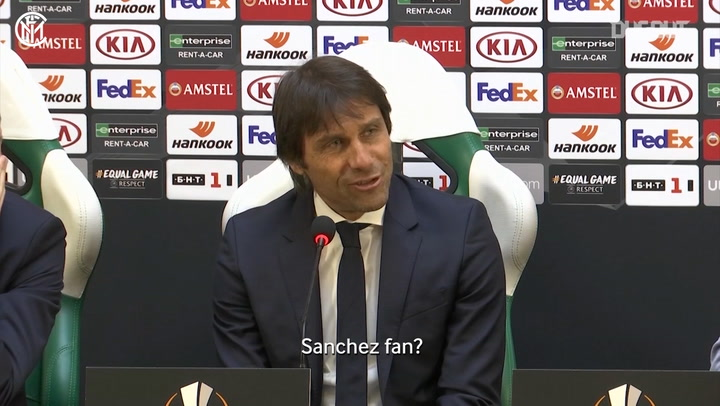 Conte asks journalist if he's a fan of Alexis Sánchez