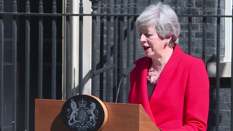 Theresa May renunció, derrotada por un Brexit imposible