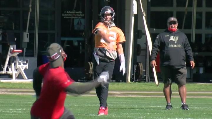 Tom Brady y los Tampa Bay Buccaneers entrenan de cara a la Super Bowl LV