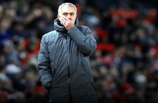 Manchester United anuncia la salida de Mourinho