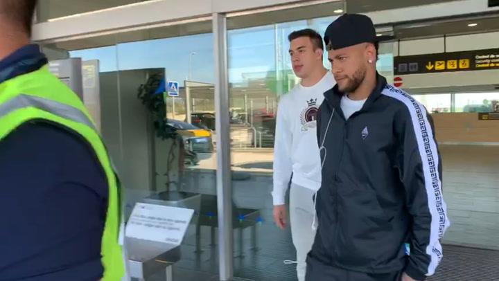 Neymar llega a Barcelona