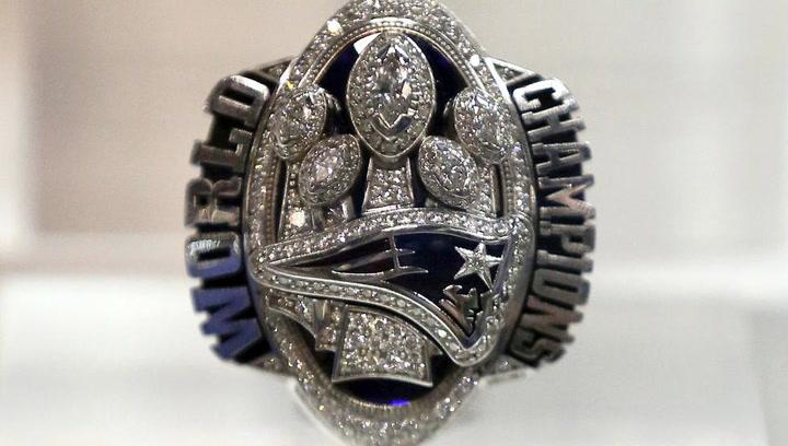 Ceremonia de entrega del anillo de campeones para New England Patriots 2017 Super Bowl LI