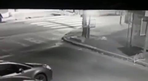 Un policía mató a un delincuente e hirió a su cómplice tras un asalto