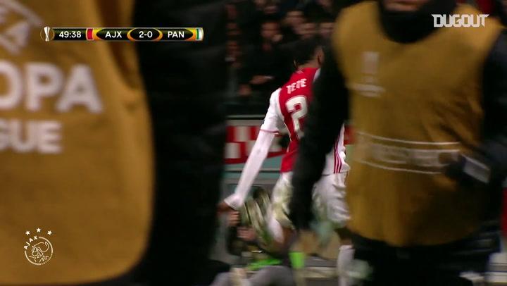 El gol de Kenny Tete ante el Panathinaikos