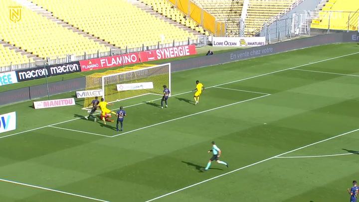 Muani's first Ligue 1 goal vs Brest