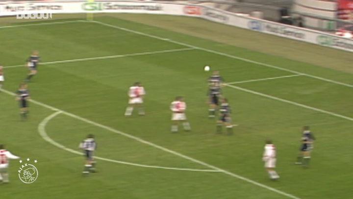 Tomáš Galásek's stunning volley against FC Utrecht