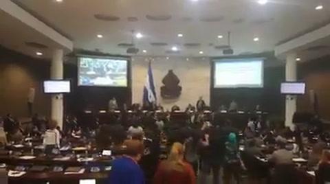 Zafarrancho en el CN tras aprobación de Ley del sector Educación y Salud