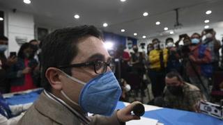 Destituido fiscal anticorrupción deja Guatemala para resguardar su vida