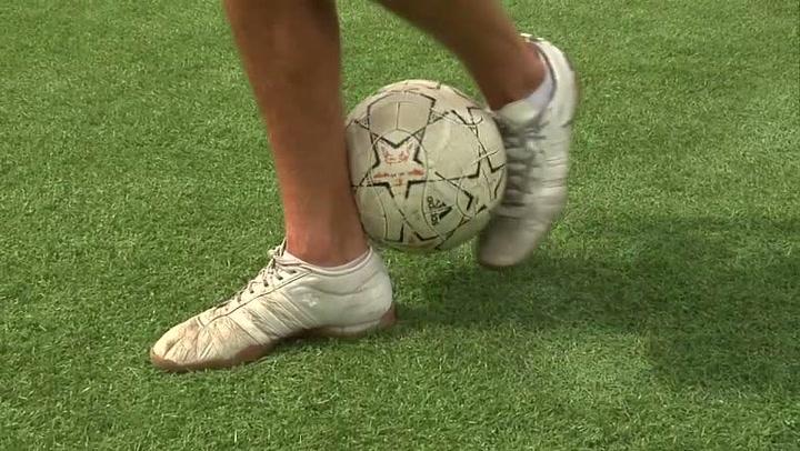 Fotballtriksing - Hvordan flicke up ballen