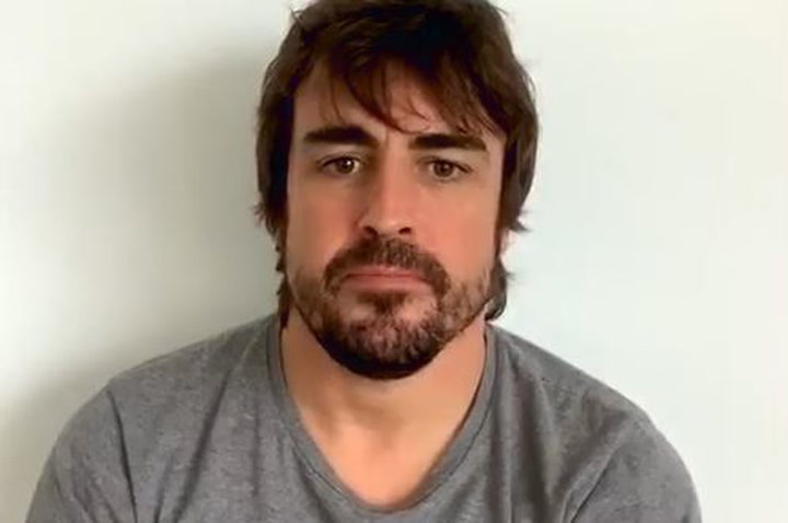 Fernando Alonso habla con Albert Llovera y Nasser Al Attiyah  en un Instagram Live