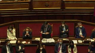 Primer ministro italiano logra confianza del Senado, pero pierde mayoría absoluta