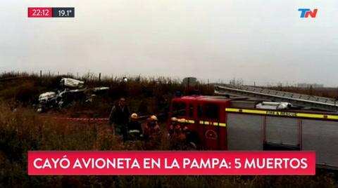 Cinco muertos al caer un avión en una zona rural de La Pampa