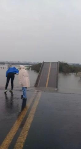 Por la caída del puente Santa Rosa, Entre Ríos ofreció a Corrientes el hospital de La Paz
