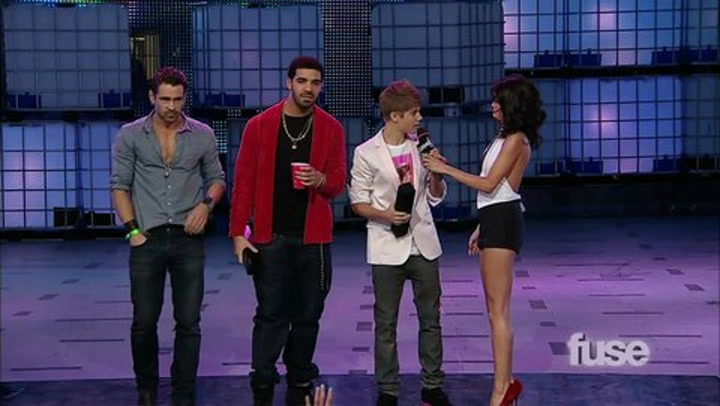 Shows: MMVA's  2011: - Justin  Bieber and Drake Acceptance Speech fuse.tv