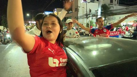 La caravana de los olimpista en las calles de Tegucigalpa celebrando la Copa 31