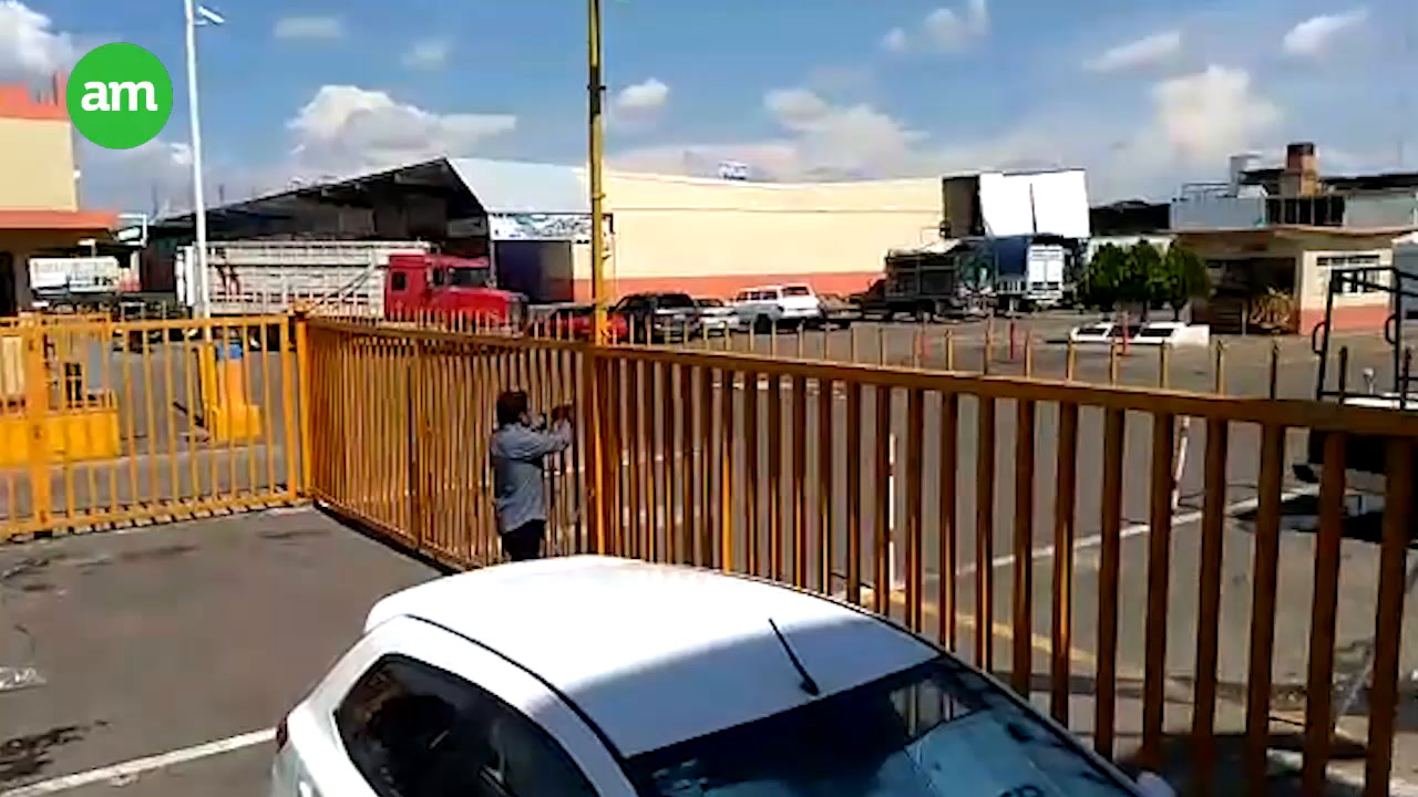 Video: Comando ataca la Central de Abastos de Irapuato