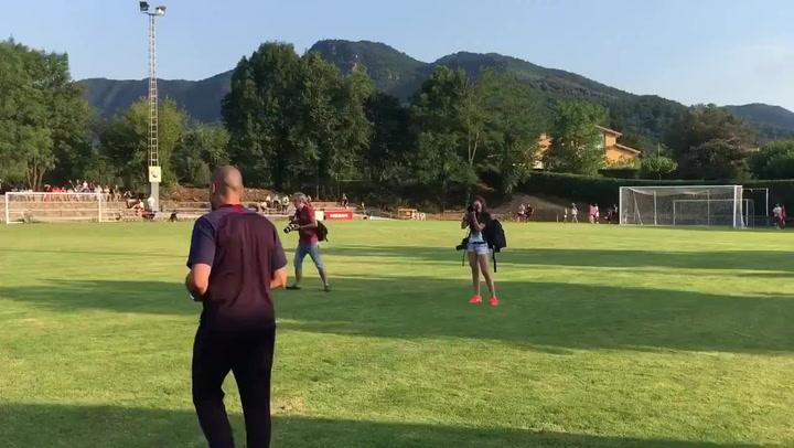 Aplausos para Victor Valdés en su debut como técnico del Barça B