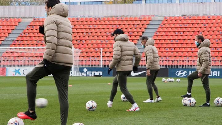 Luis Suárez y Vrsaljko ya entrenan con el gran grupo