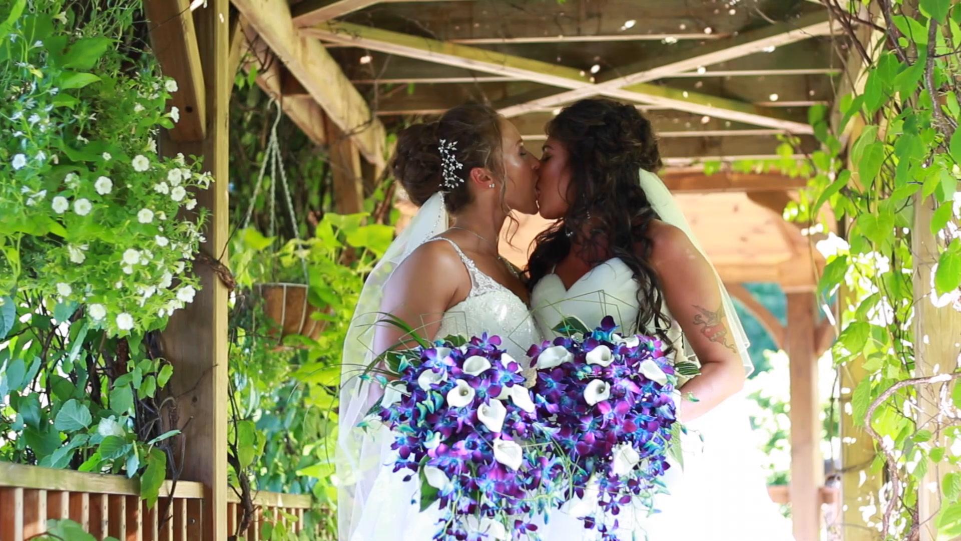 Ashley + Janna | Spencer, Massachusetts | Zukas Hilltop Barn