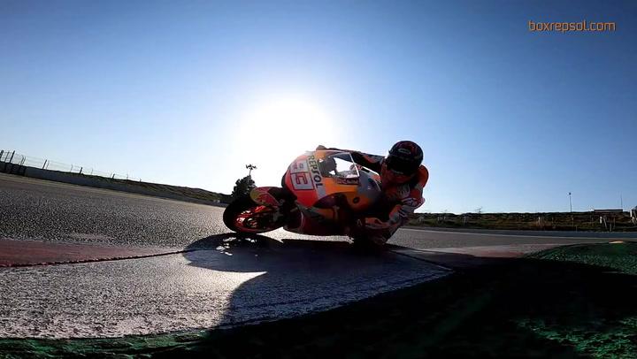 Marc Márquez se sube por primera vez a la Honda RC213V-S tras su lesión