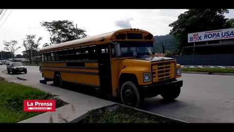 Emprendedores: Familia sampedrana sorprende al transformar bus en restaurante móvil