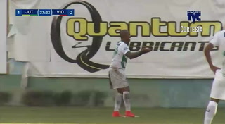 Michael Osorio de penal anota el empate 1 - 1 del Vida ante Juticalpa