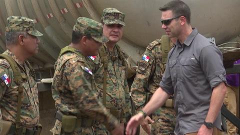 Secretario interino de Seguridad de EEUU visita base de migrantes en Panamá