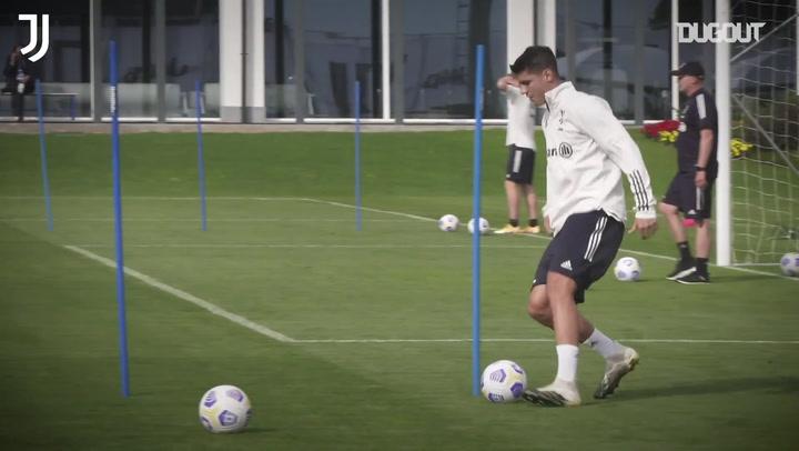 Buổi tập đầu tiên của Alvaro Morata tại Juventus