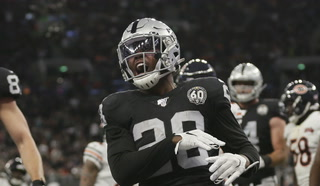 Raiders upset the Bears in London, improve to 3-2