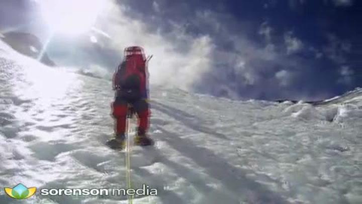 Expedición enviada al Everest en 2017, tras el terremoto en Nepal, para certificar la altura de la montaña