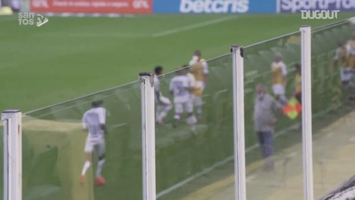 Santos beat Internacional at Vila Belmiro