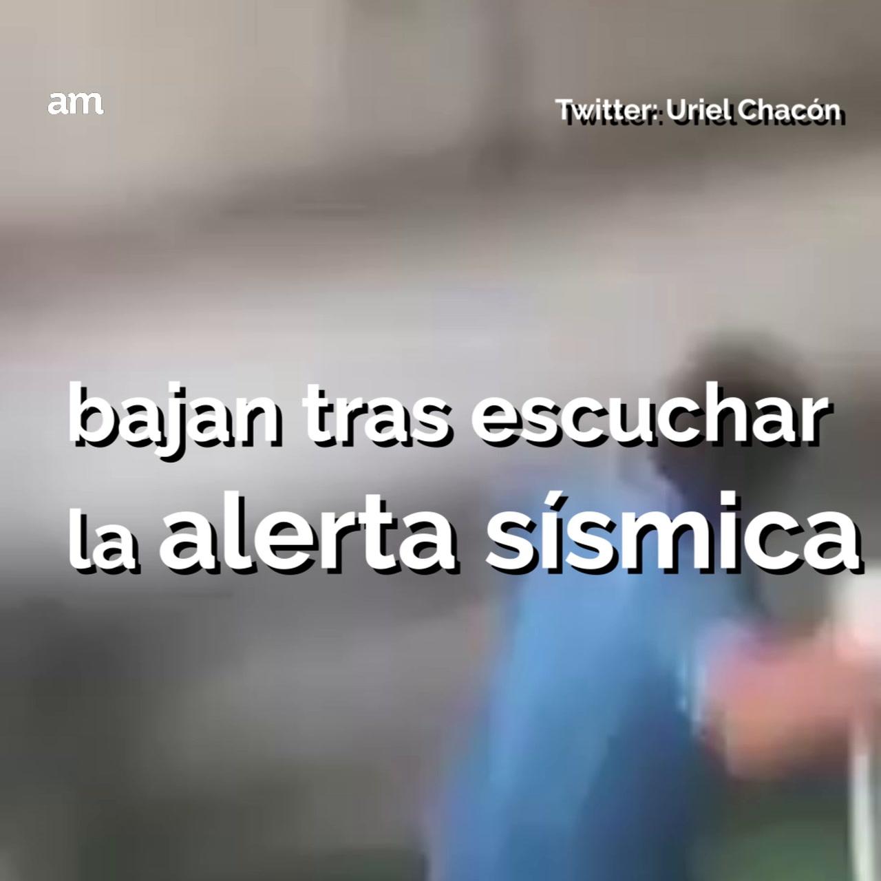 Salen despavoridos jugadores del Puebla durante temblor