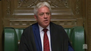 Johnson sufre otro revés al apoyar los diputados un retraso del