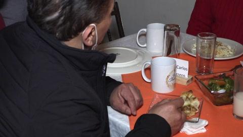 Migrantes mexicanos deportados mantienen viva la tradición del Día de Acción de Gracias
